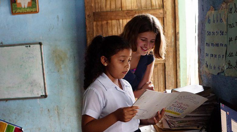 World Vision: Ohne Bücher können Kinder nicht lesen