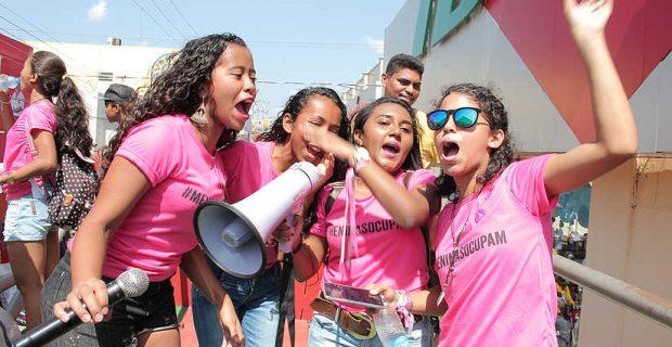 Brasilien: Mädchen kämpfen gegen Vergewaltigungskultur